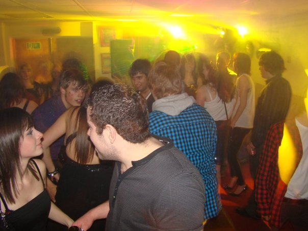 18th Birthday Party People Dancing - Party DJ