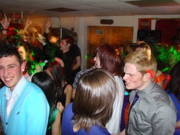 18th Birthday People Dancing - Party DJ